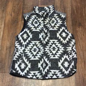 Cute & warm Staccato tribal design vest